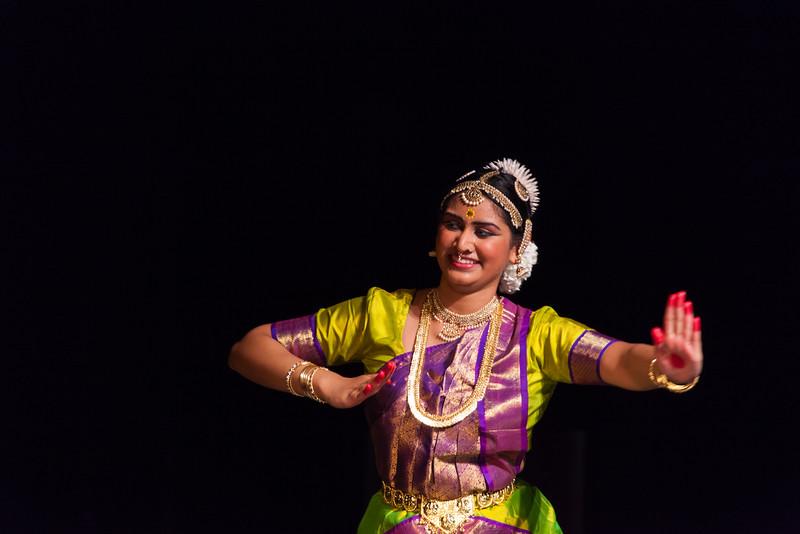 PriyaShreyaDance-0272.jpg
