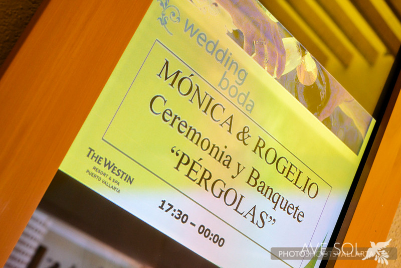 Monica-Rogelio-1-Arreglandose-1.jpg