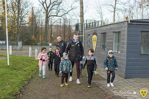 2020-12-05 Sinterklaas op bezoek bij VV Kloetinge