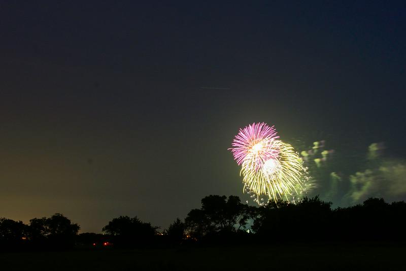 2014-07-03 Creekwood Mansfield Fireworks 015.jpg