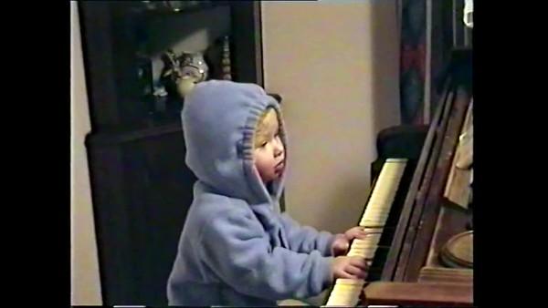 2000v Annie Piano