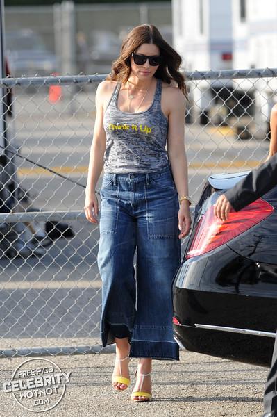Jessica Biel Thinking It Up At Santa Monica!