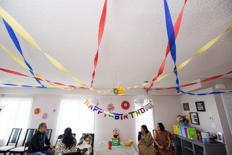 Roshin & Vinash Birthday Cakesmash-17.jpg