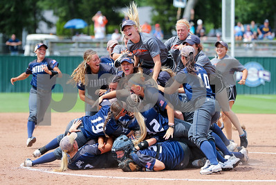 softball-ut-tyler-headed-back-to-world-series