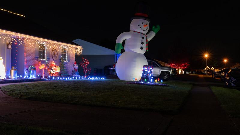 logan-elm-village-christmas-lights-119.jpg