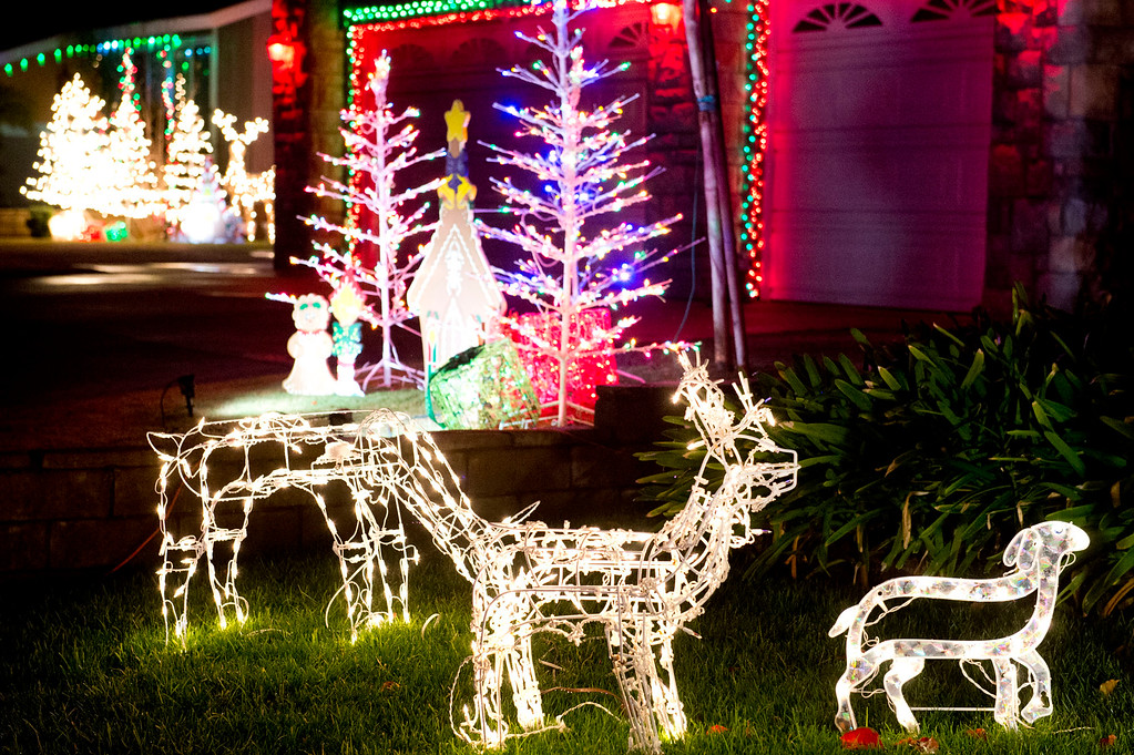 . Holiday lights in the 15000 block of South Glencroft Road in Glendora on Thursday, Dec. 19, 2013. (Staff photo by Watchara Phomicinda)