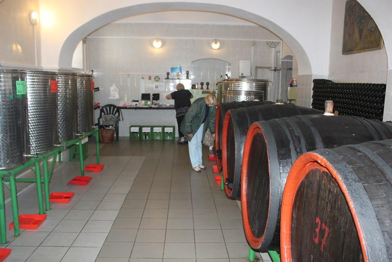Wine Cellar Únětický Pivovar 1.4km