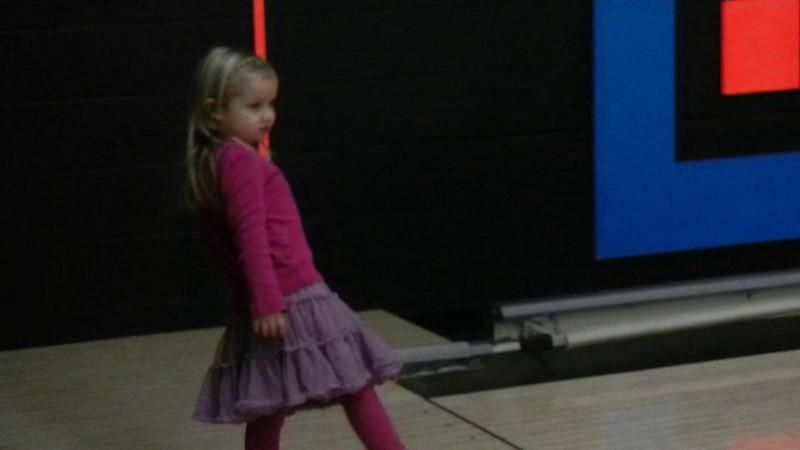 DSCN1514 - Bowling.MOV