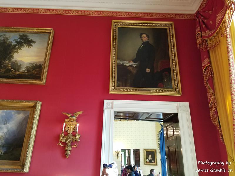 White-House-Tour-120308.jpg