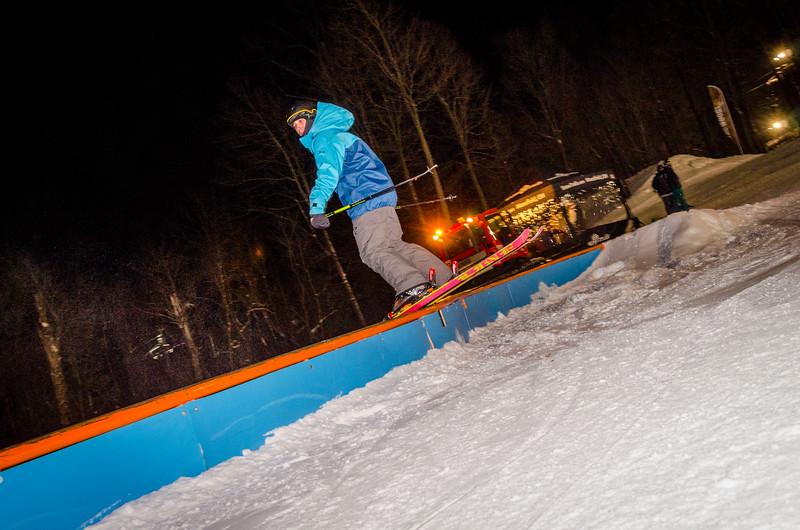 Nighttime-Rail-Jam_Snow-Trails-169.jpg