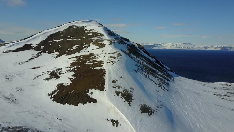 5-22-17013592longyearbyen.MOV