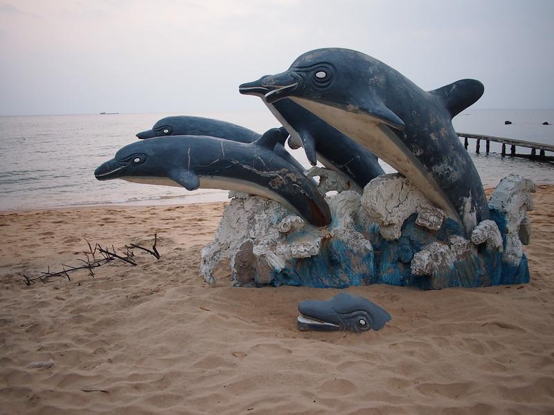 P1307209-dolphins.JPG
