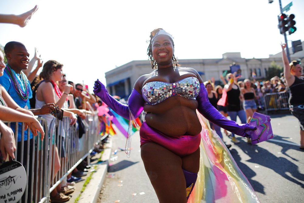 . Dancers take part in the gay-pride themed Capital Pride Parade in Washington, June 8, 2013. REUTERS/Jonathan Ernst