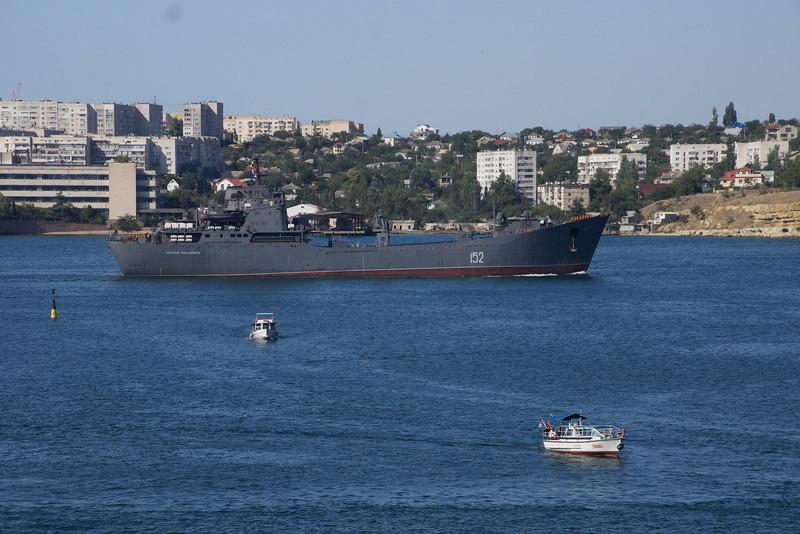 Ukraine Navy ship steaming out of Sevastopol harbor, Ukraine. _DSC4413