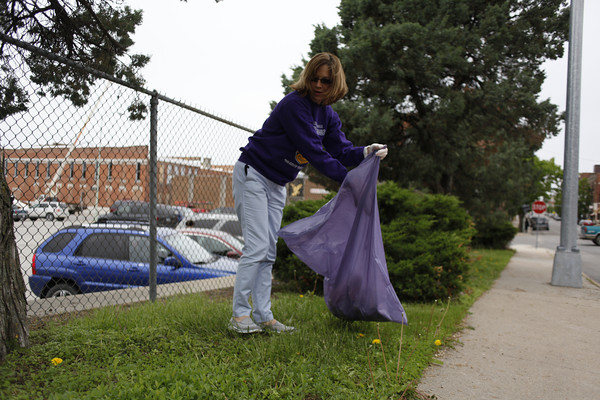Lions club make ottumwa shine clean up