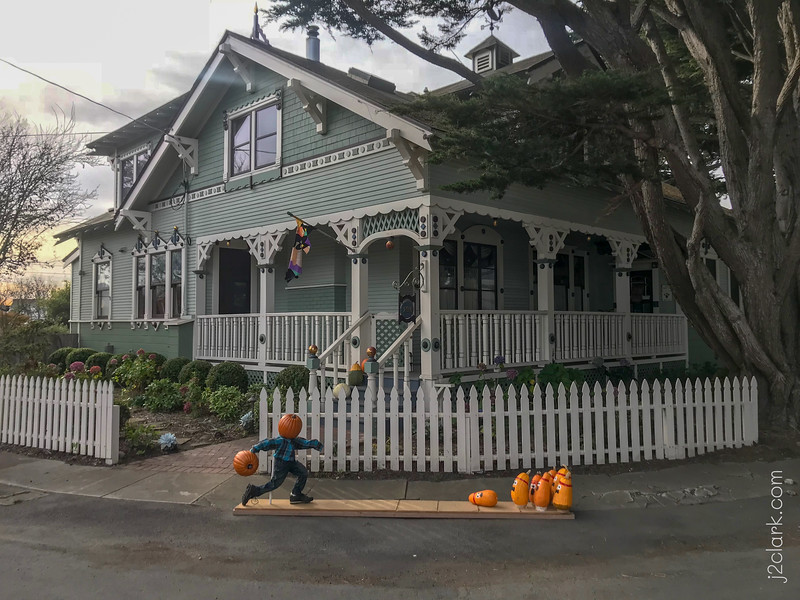 Pumpkin Bowling ... Fun House Decor, October 29th, 2018