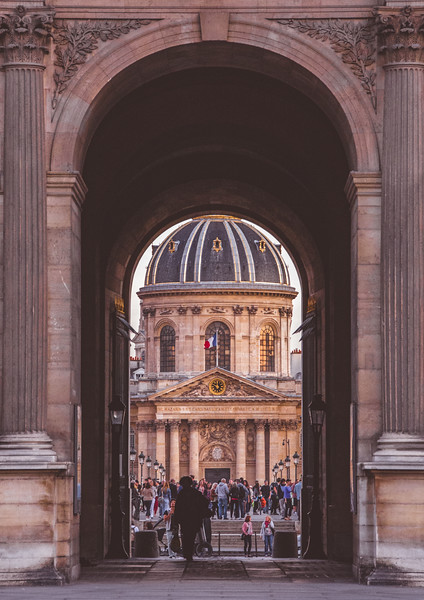 musee-du-louvre-and-the-bridge-of-art.jpg