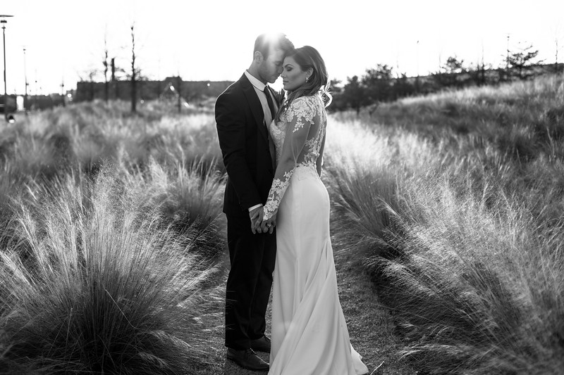 Kate&Josh_B&W_ZACH.WATHEN.PHOTOGRAPHER-453.jpg