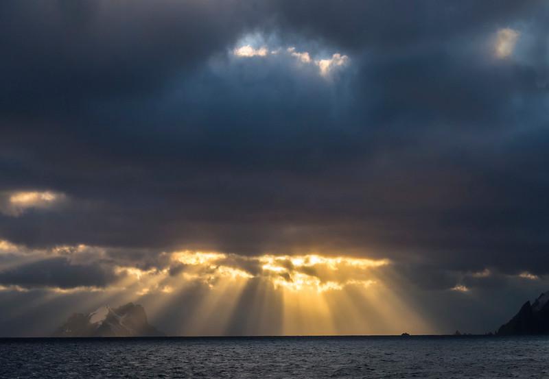 Sunrise_Elephant Island-4.jpg