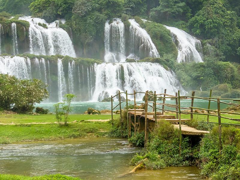 Vietnam Ban Gioc Falls_P1120578.jpg