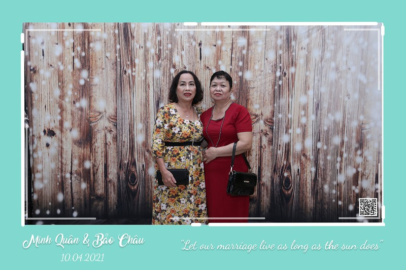 QC-wedding-instant-print-photobooth-Chup-hinh-lay-lien-in-anh-lay-ngay-Tiec-cuoi-WefieBox-Photobooth-Vietnam-cho-thue-photo-booth-038.jpg