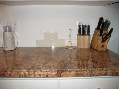 2005-12-12 New Countertop
