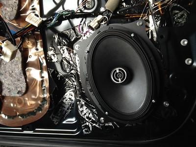 2013 Toyota Camry SE Front Door Speaker Installation - USA