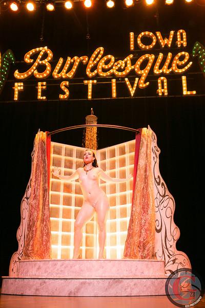 burlesque day2 edits (282 of 123).jpg