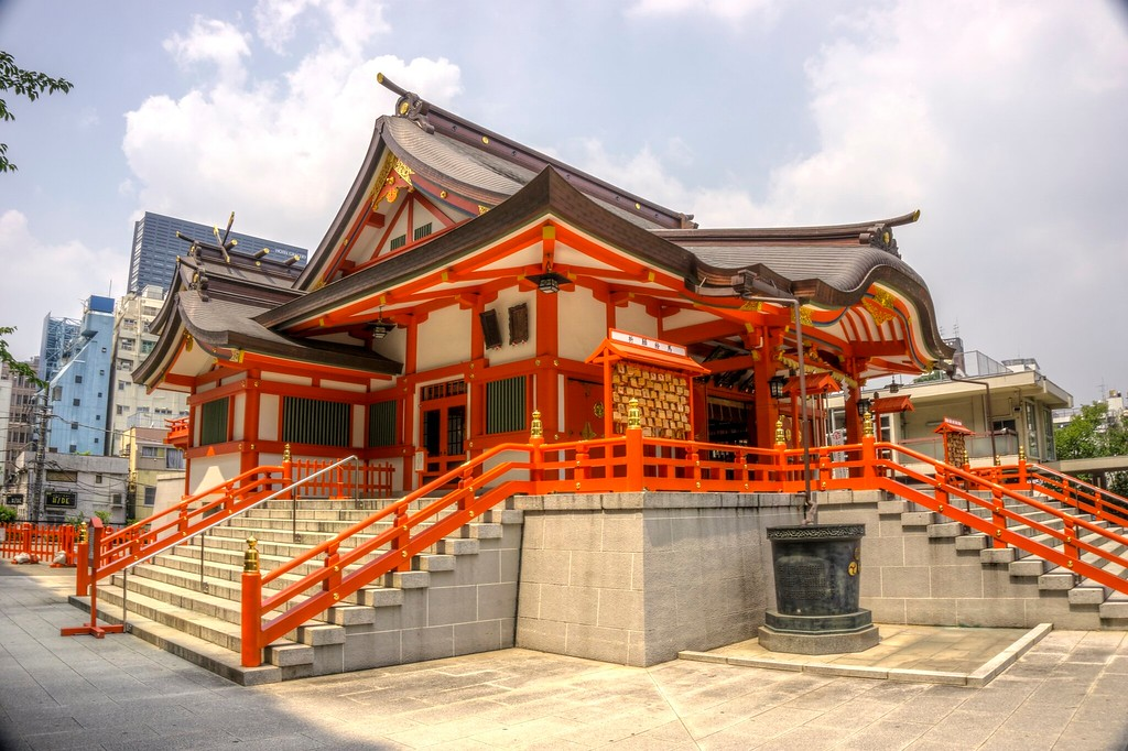 At Hanazono Shrine.