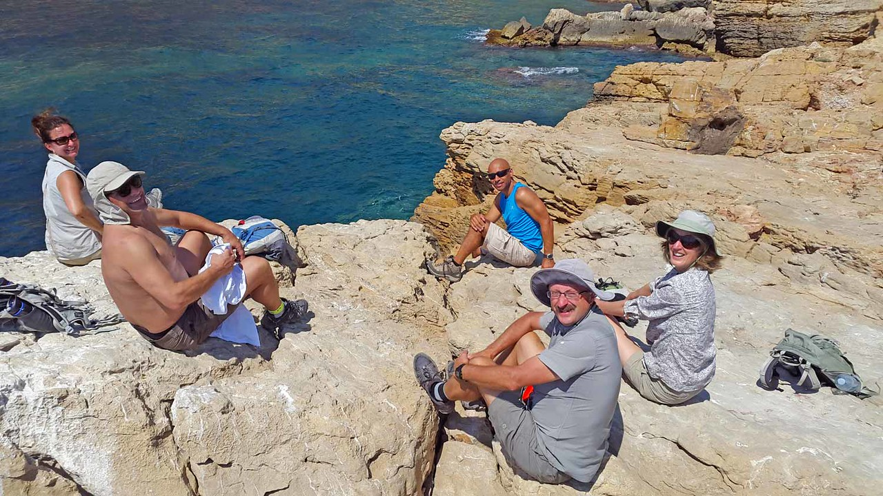 A rest on the Punta de la Aldera during our Cala Moraig to El Portet hike