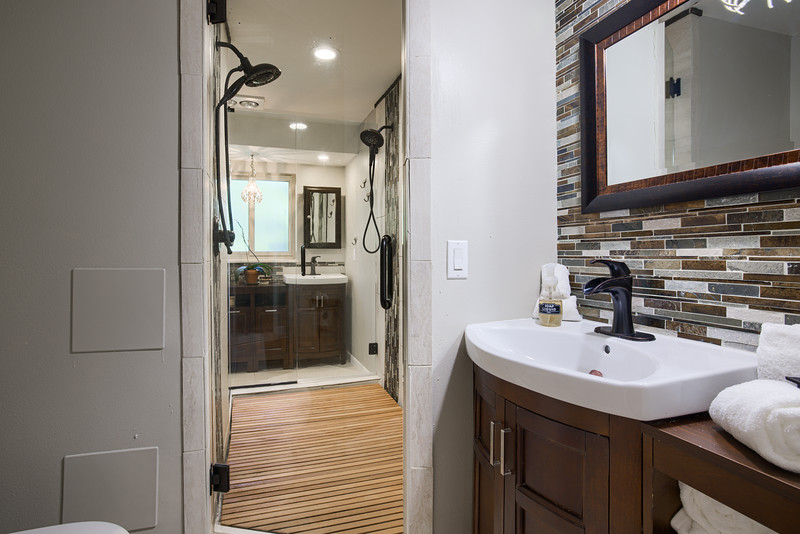 Bathroom Two.jpg