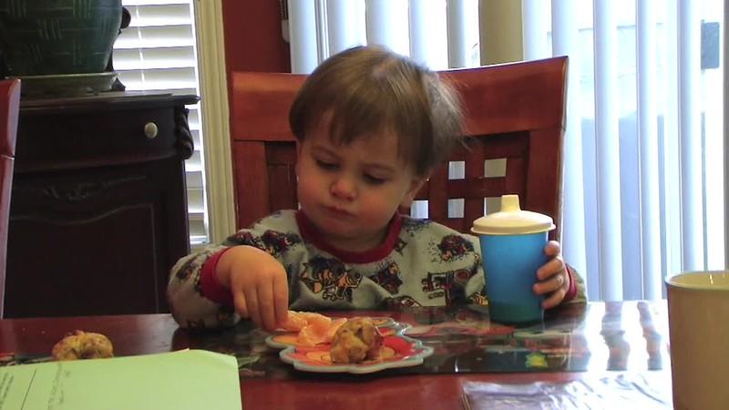2008-11-27 Eating Breakfast.mov