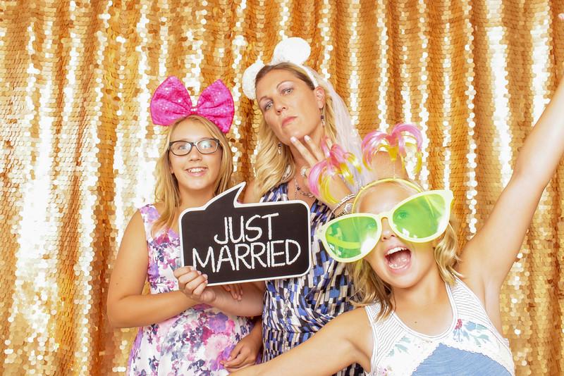 2015-08-29_OhSnapBoothCo_KatieJim-Wedding-Singles_0011.jpg