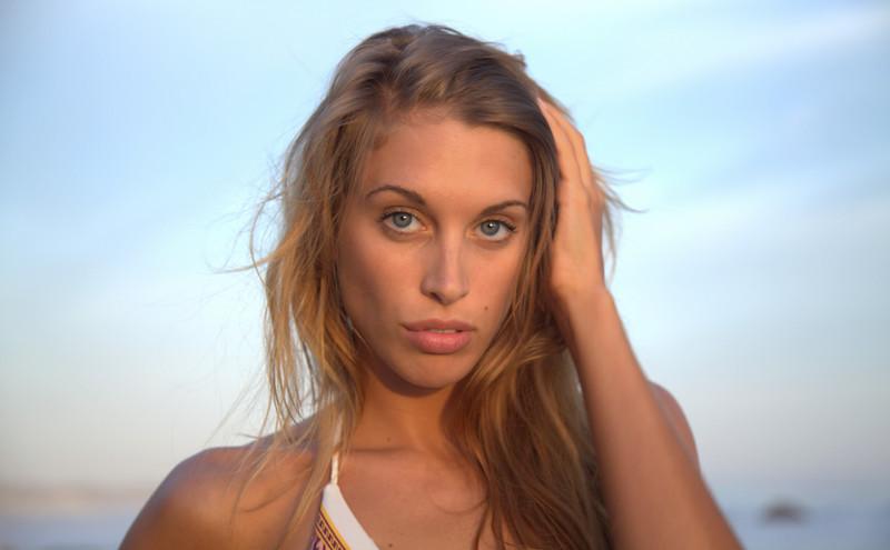 bikini 45surf bikini swimsuit model hot pretty beach surf socal 1134,.kl,.,.,..jpg
