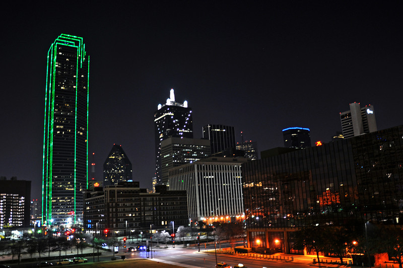 Dallas Skyline - Night Time 01.jpg