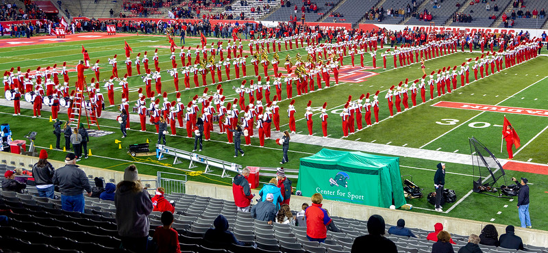 UH Band spells their H.
