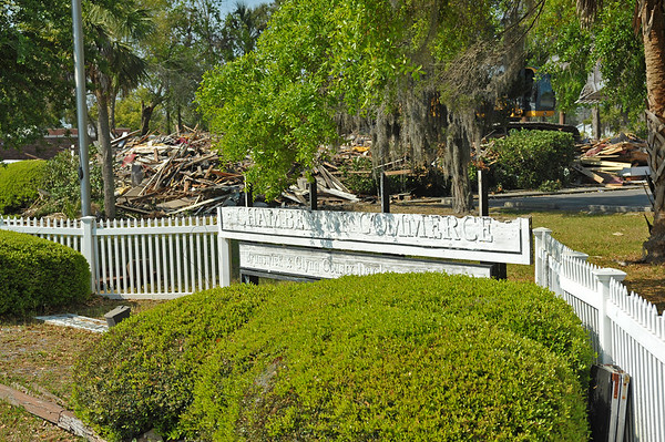 Historic Dart House Destruction by the Chamber of Commerce 03-27-17 thru 04-07-17