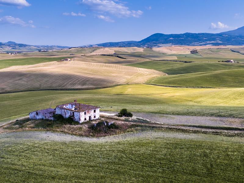 Abandoned Tuscan Farmhouse-.jpg