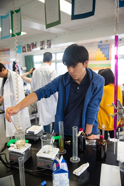 Grade 12 Science-Lab Work-ELP_2013-2018-19.jpg
