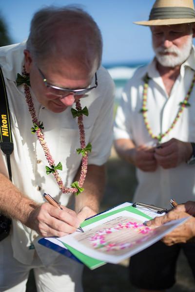 gillin beach kauai wedding-127.jpg