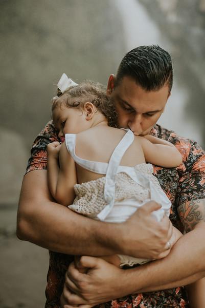VTV_family_photoshoot_with_waterfall_Bali (109).jpg