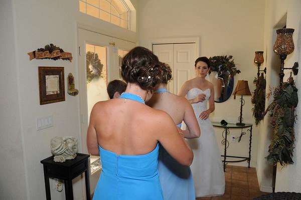 GETTING READY - Alissa and Robert's Wedding