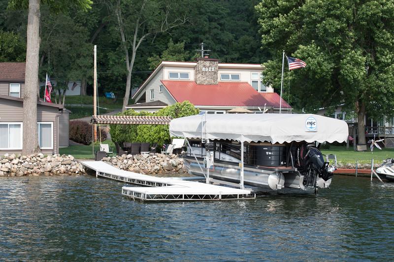 Boat1054.jpg