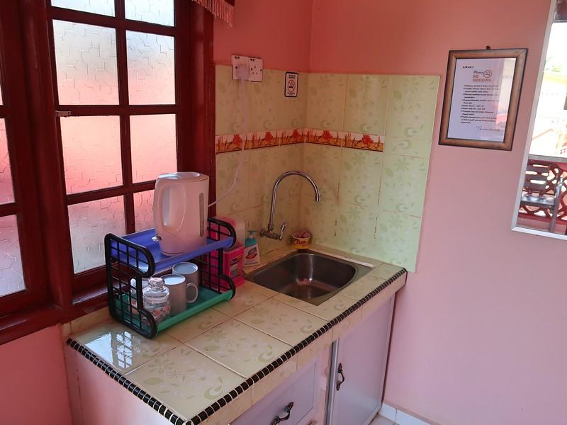 IMG_4864-kitchenette.jpg