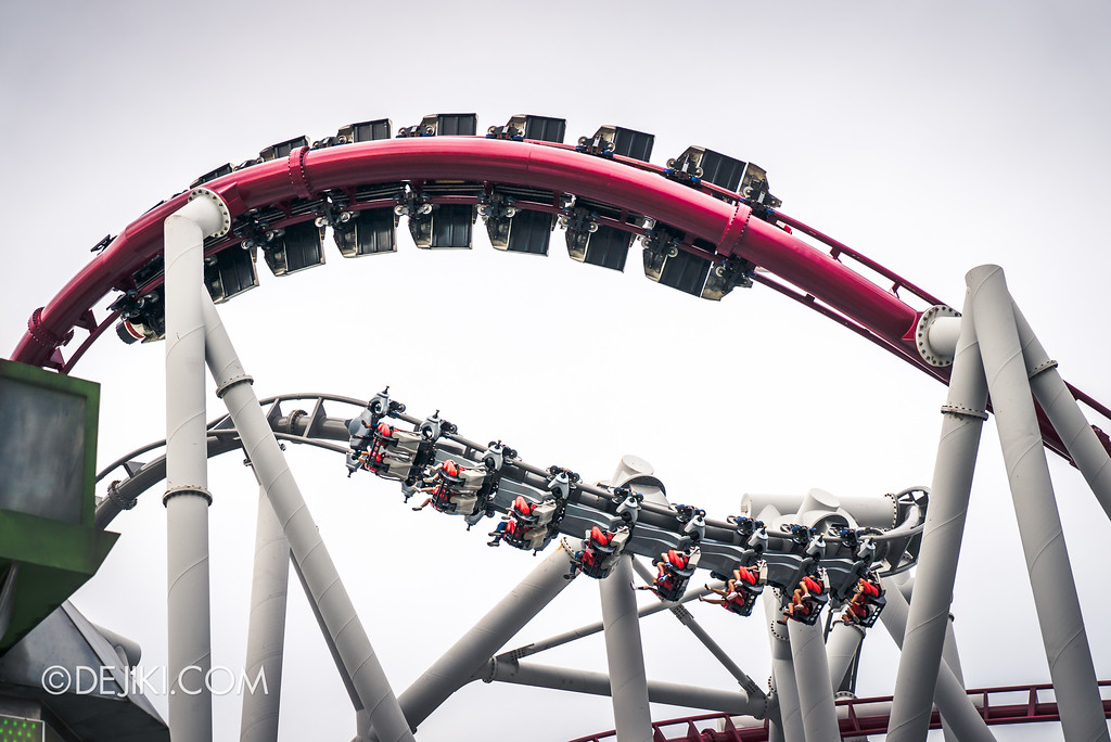 Universal Studios Singapore Park Update June 2017 - Battlestar Galactica dueling roller coasters 2017, duel moment