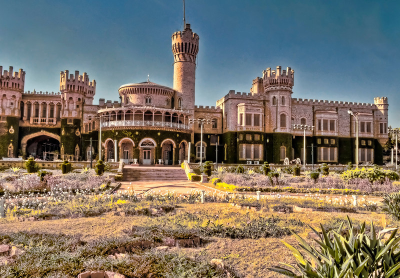 Maharajas Palace and Garden-Bangalore-India.jpg
