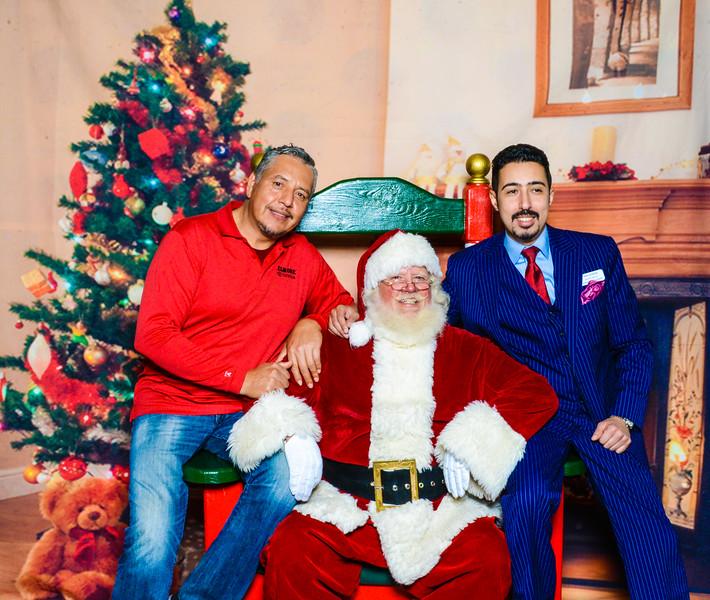 Santa Elmore 2016-12197.jpg