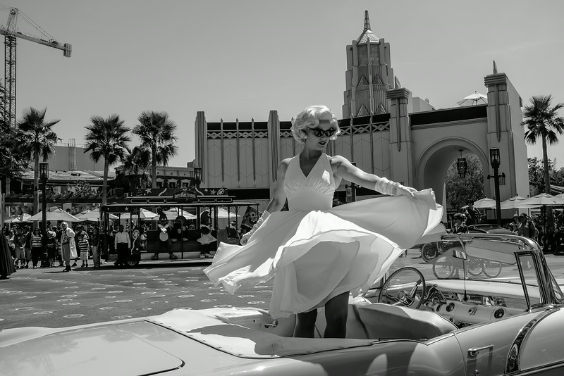 A Marilyn Monroe look-a-like at Universal Studios.