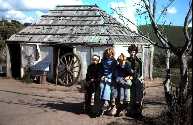 1976-8 (8) Andrew 7 yrs,  Susan 11yrs, Allen 5yrs, David 12 yrs @ Korumburra.JPG