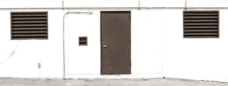 2009-06-11 Door on Roof of Bld Houston Black and White P1000170.jpg